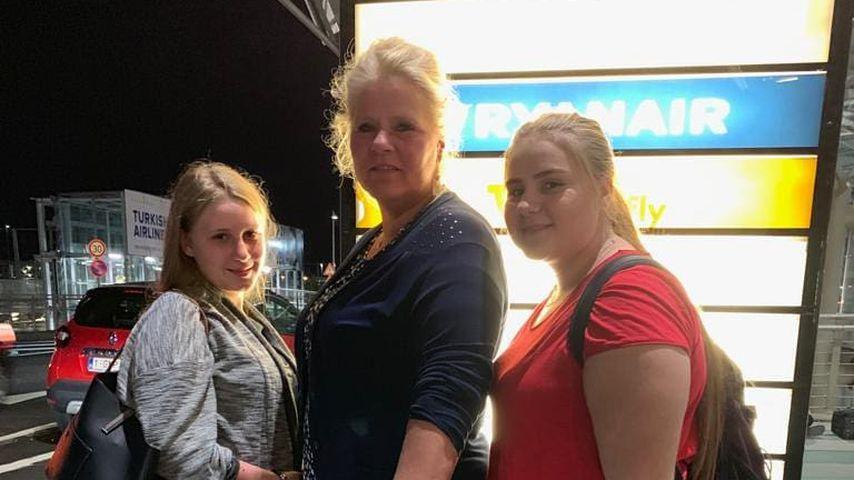 Loredana, Silvia und Estefania Wollny am Flughafen, Juli 2019