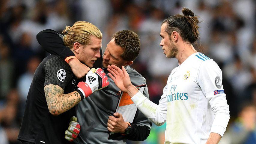 Loris Karius, ein Betreuer und Gareth Bale nach dem Champions League-Finale