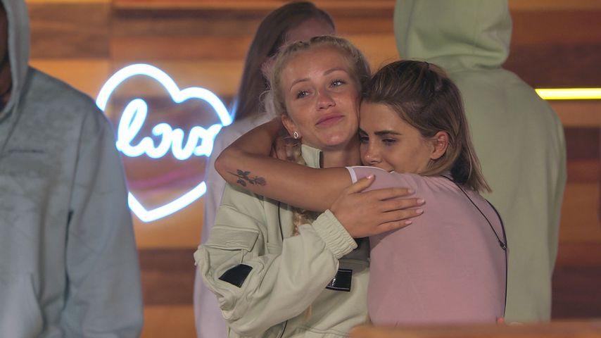 """Love Island""-Kandidatin Lena Schiwiora mit Andrina Santoro"