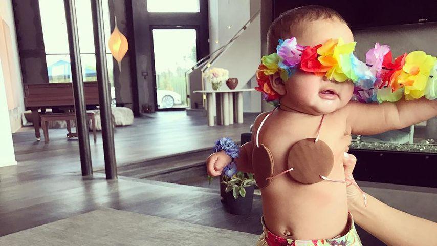 Als Hula-Queen: Chrissy Teigens Baby verzaubert an Halloween