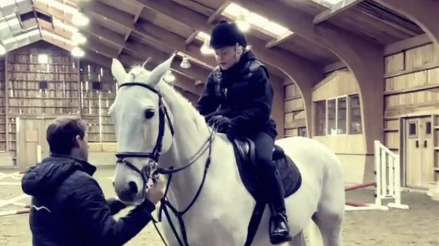 Madonna im April 2021 auf einem Reiterhof