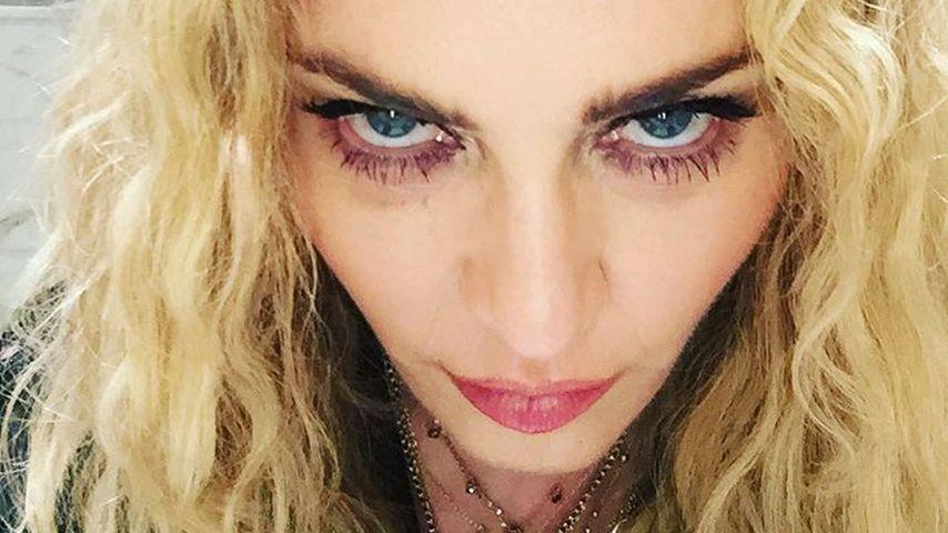 Sängerin Madonna auf einem Selfie