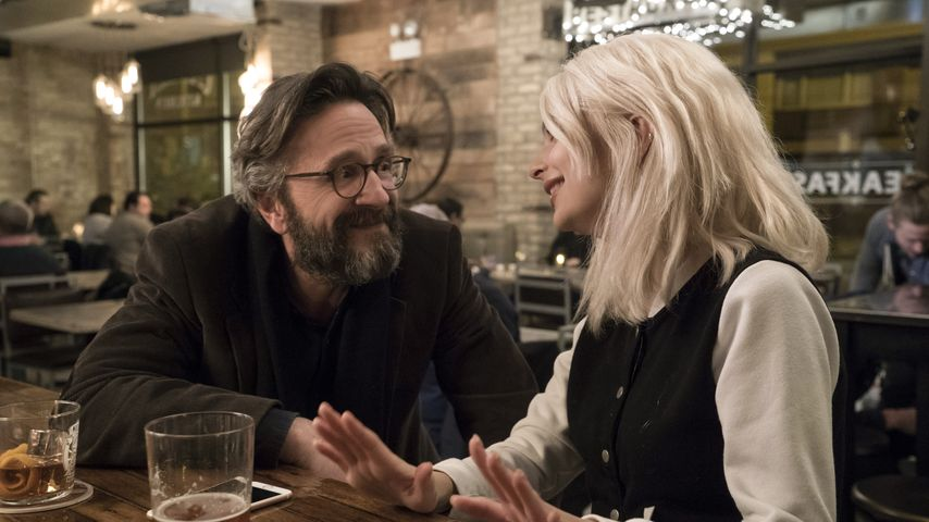 "Marc Maron und Emily Ratajkowski bandeln in ""Easy"" an"
