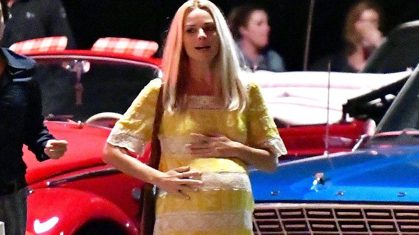 Mit Mega-Babybauch: So sieht Margot Robbie schwanger aus!