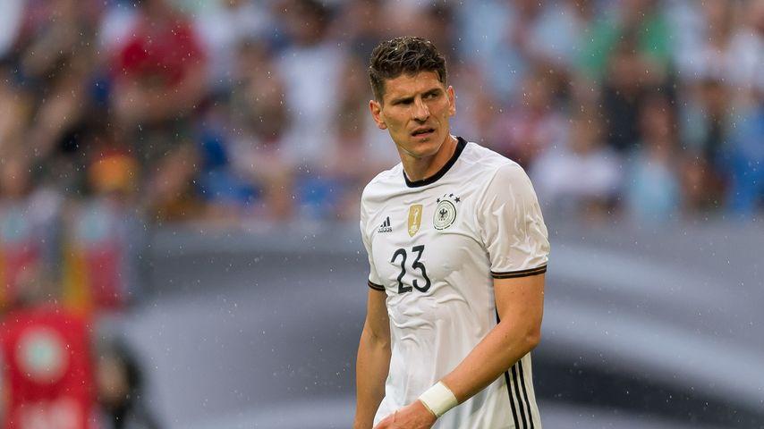 Mario Gomez beim Testspiel auf Schalke im Juni 2016