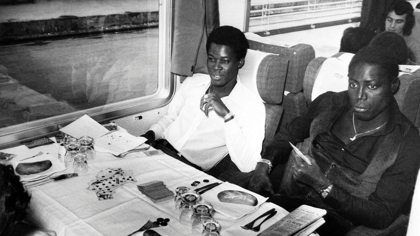 Die ehemaligen französischen Nationalspieler Marius Trésor und Jean-Pierre Adams im Oktober 1974