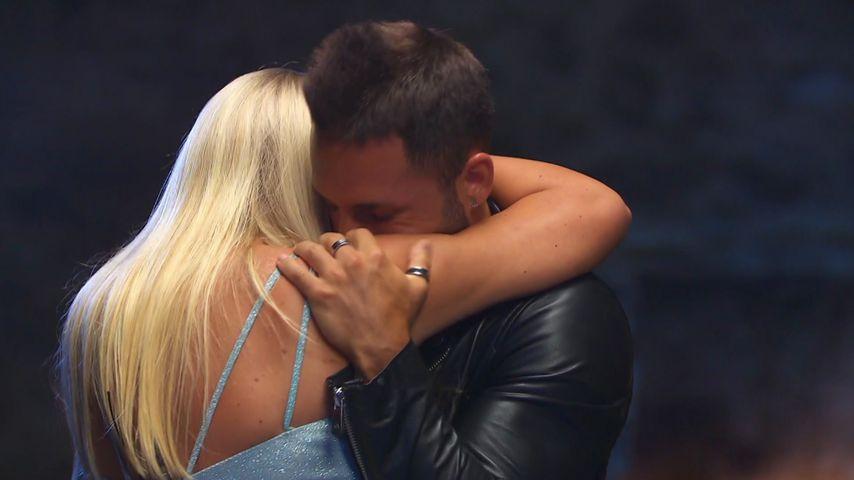 Marlisa und Fabio beim finalen Lagerfeuer