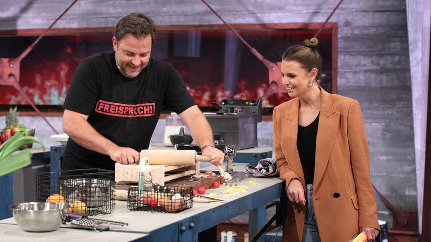 "Martin Rütter und Laura Wontorra bei ""Grill den Henssler"""