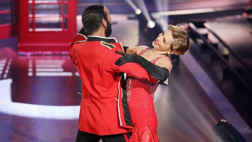 """Massimo Sinató und Julia Dietze in der 10. """"Let's Dance""""-Show"""