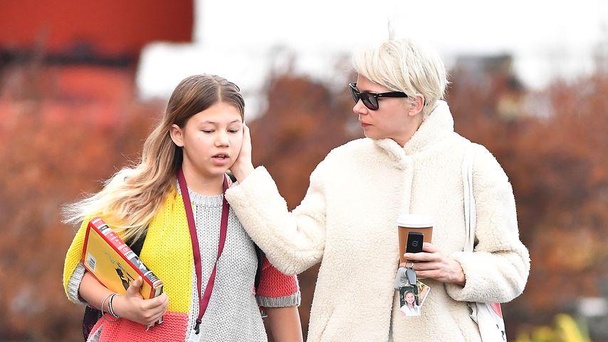 Matilda Ledger mit ihrer Mutter Michelle Williams