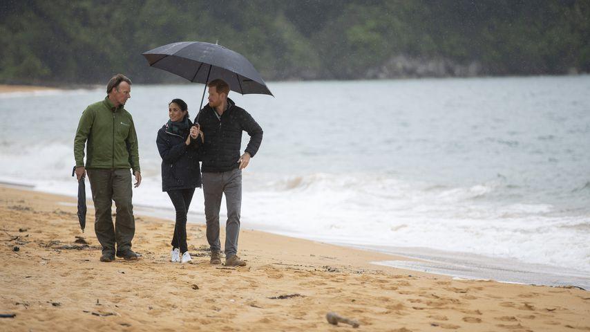 Schon wieder Schirm-Romantik bei Prinz Harry und Meghan!