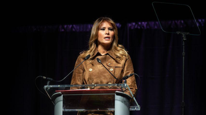 Übel ausgebuht: Melania Trump blamiert sich auf Bühne