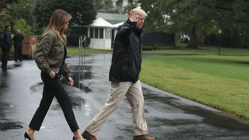 Shitstorm: Melania Trump in High Heels bei Texas-Flutopfern!