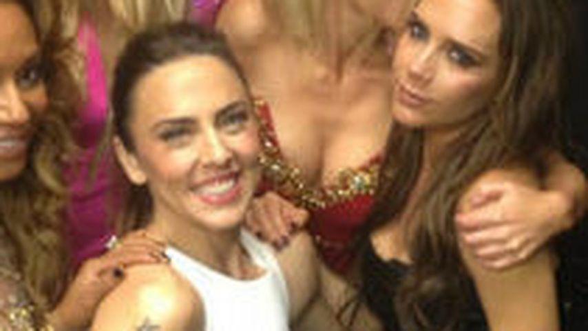"""Mel C. und Victoria Beckham mit der Band """"Spice Girls"""""""