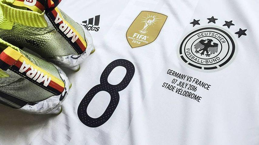 Mesut Özils Trikot für das Halbfinale