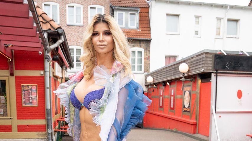 Micaela Schäfer bei der Eröffnung der Porno-Karaoke-Bar in Hamburg