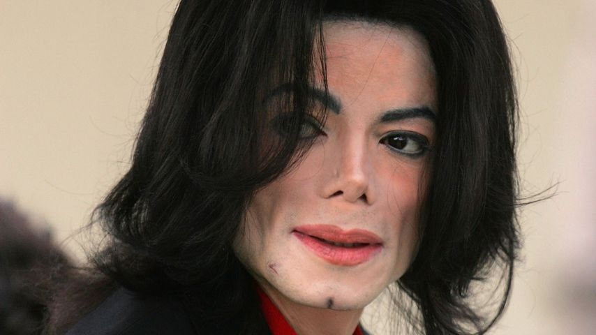 Michael Jackson im März 2005 in Santa Maria