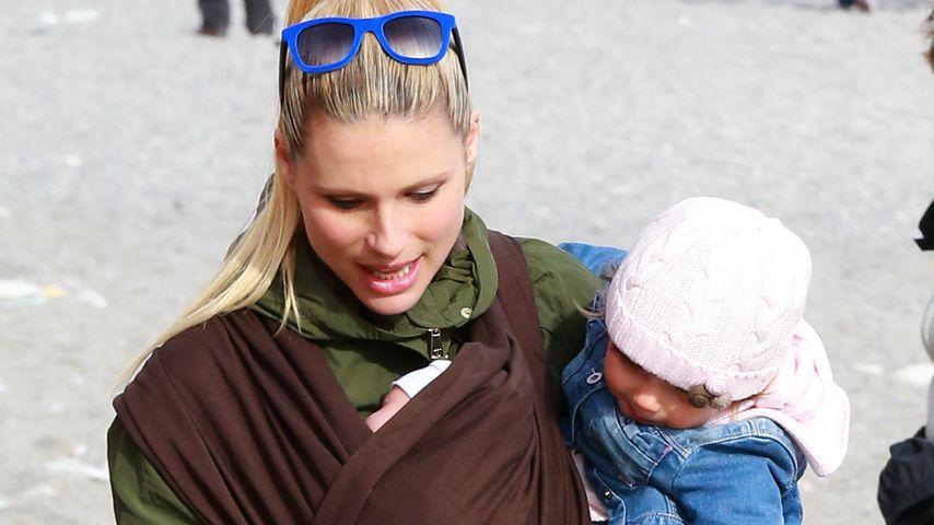 Babystress hoch 2: Michelle Hunziker schleppt doppelt