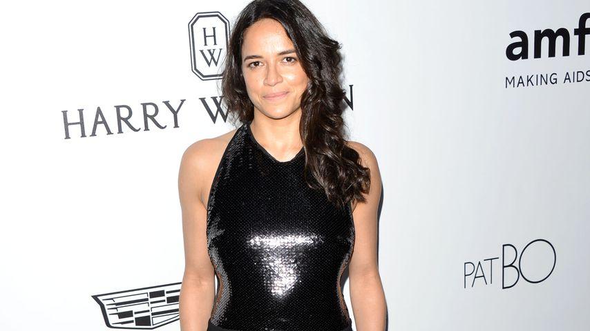 Michelle Rodriguez auf der 8. amfAR Gala in Los Angeles
