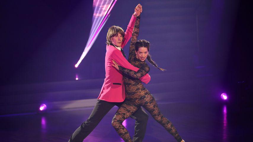 """Mickie Krause und Malika Dzumaev bei """"Let's Dance"""""""