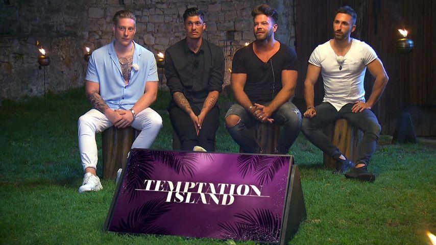 """Mike, Yasin, Marcus und Fabio beim zweiten """"Temptation Island""""-Lagerfeuer"""