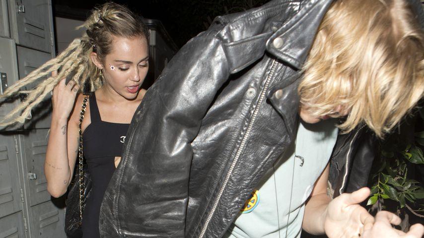 Trotz Beziehung mit Stella: Miley Cyrus datet Cody Simpson
