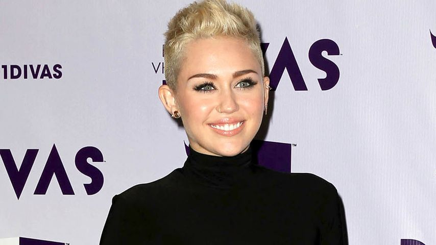 Wow! Miley Cyrus im sexy Cut-Out Look