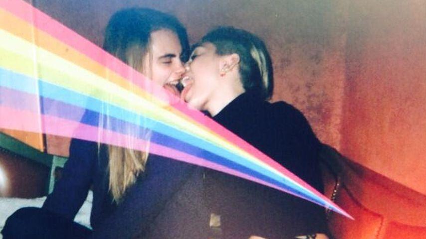 Miley Cyrus: Zungen-Spiele mit Cara Delevingne