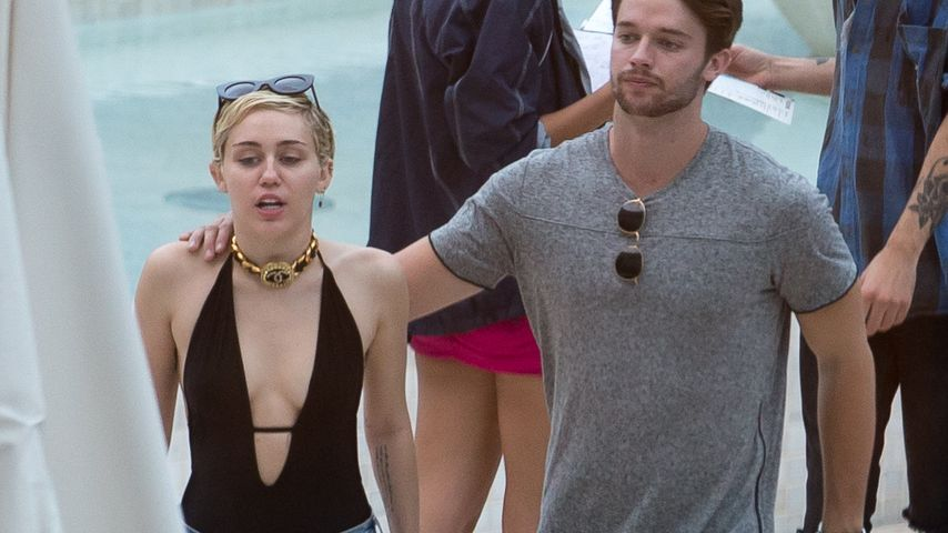 Patrick schmust fremd! Jetzt reagiert Miley Cyrus