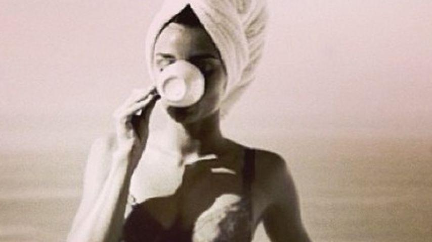 """""""Kochend heiß"""": So genießt Miranda Kerr ihren Tee"""