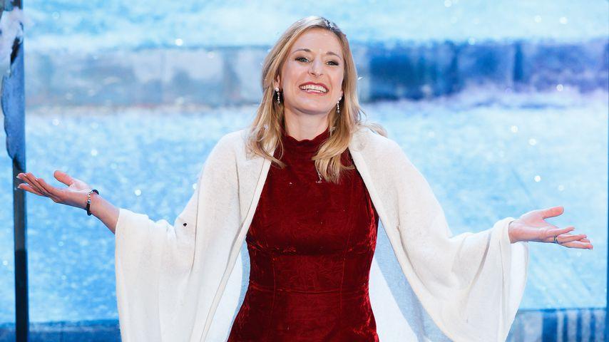 Musikerin Stefanie Hertel beim Adventsfest der 100.000 Lichter