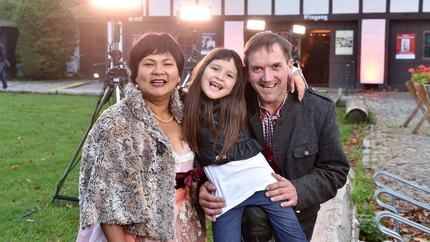 Narumol, Bauer Josef und ihre Tochter Jorafina