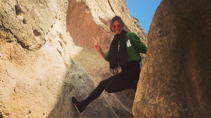 Super fit! Zweifach-Mama Nazan Eckes turnt zwischen Felsen