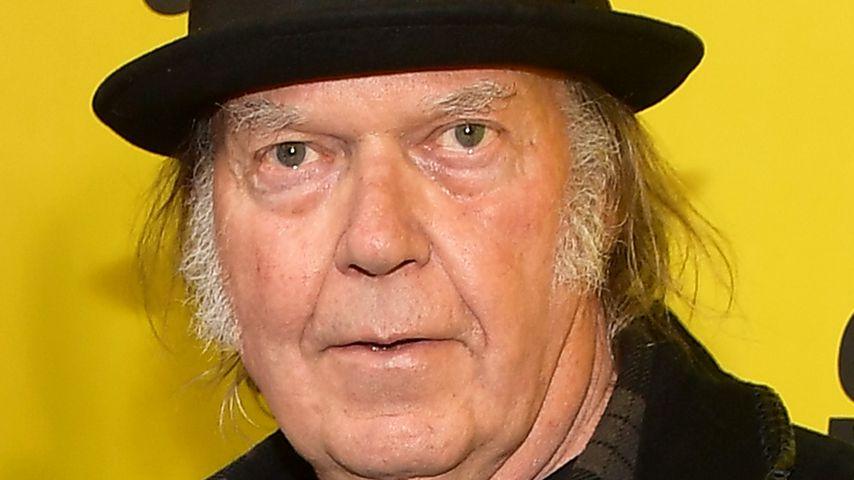 Neil Young, Sänger
