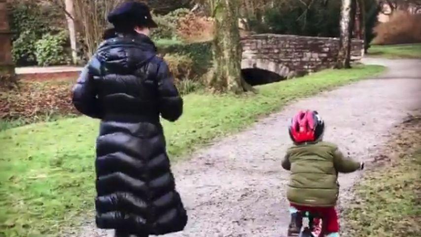 Nela Panghy-Lee überwältigt: Ihr Sohn fährt jetzt Fahrrad