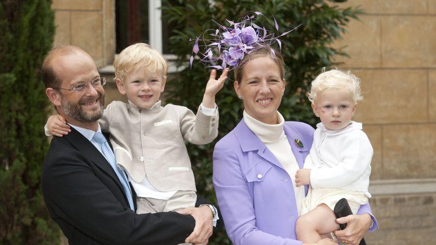 Nicholas Windsor mit seiner Frau Paola und zweien seiner Kinder