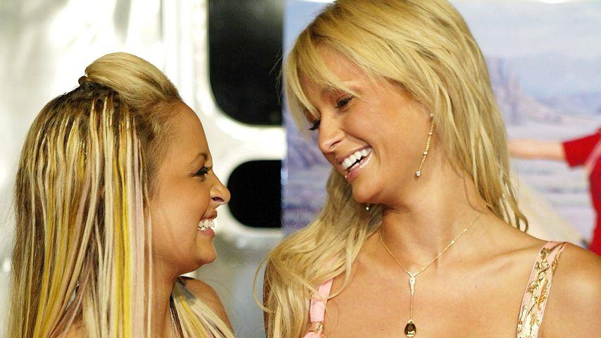 Nicole Richie und Paris Hilton 2004
