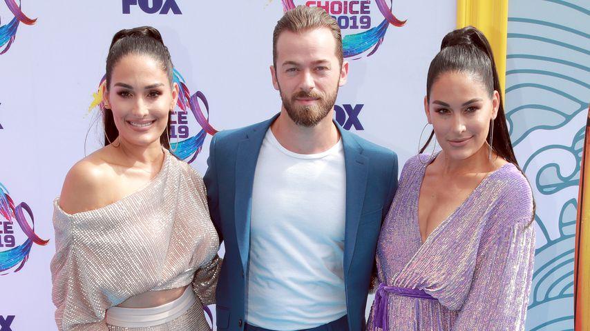 """Nikki Bella, Artem Chigvintsev und Brie Bella bei den """"Teen Choice Awards"""" in LA im August 2019"""