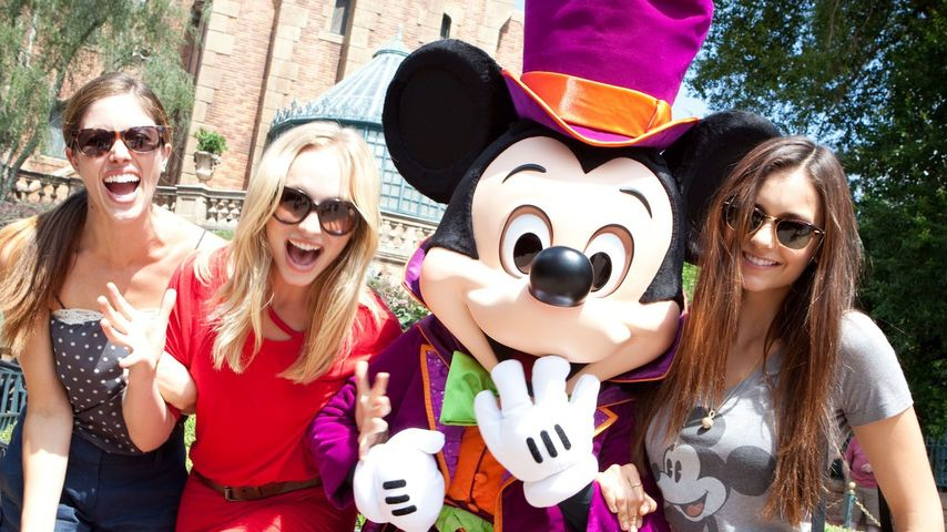 Nina Dobrev: Vampire Diaries-Spaß in Disney World