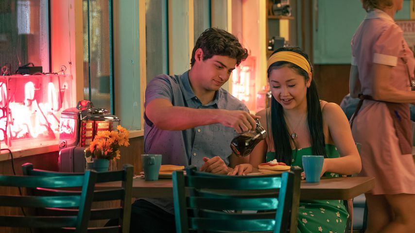 "Noah Centineo und Lana Condor in  ""To All the Boys: Always and Forever"""