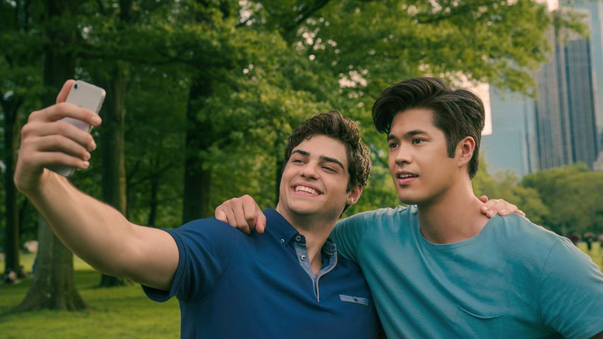 "Noah Centineo und Ross Butler in ""To All the Boys: Always And Forever"""