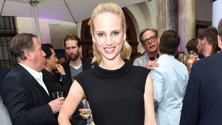 Nora Huetz, Schauspielerin