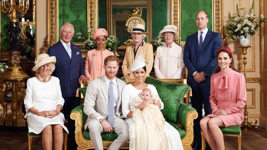 Offizielles Familienfoto zur Taufe von Archie Harrison
