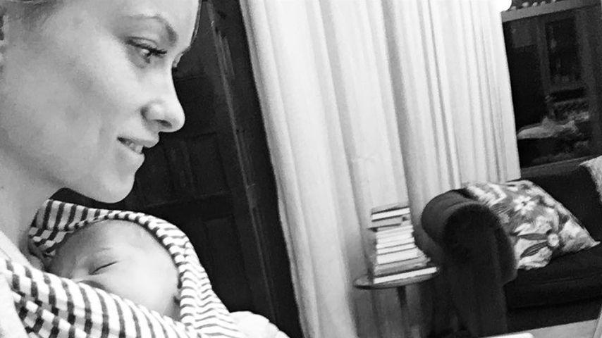 "Putzige Kollegin: Olivia Wilde mit Baby Daisy im ""Office"""