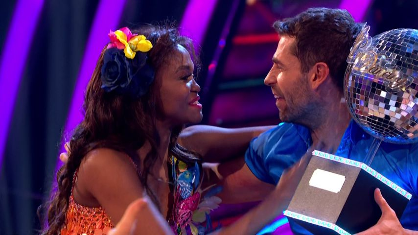 "Otlile Mabuse und Kelvin Fletcher bei ""Strictly Come Dancing"""