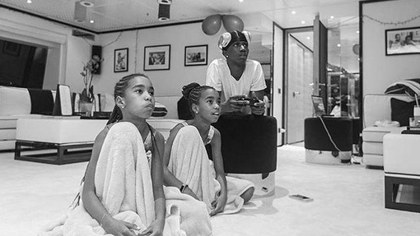 schick rausgeputzt so feierte diddy mit seinen 6 kids. Black Bedroom Furniture Sets. Home Design Ideas