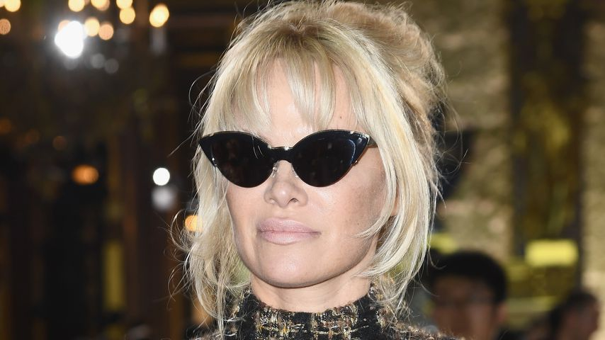 Pamela Anderson bei der Paris Fashion Week