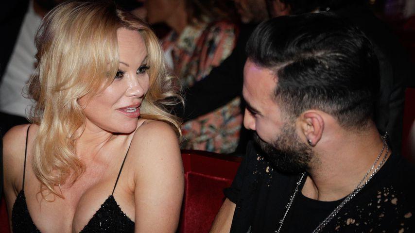 Pamela Anderson und Adil Rami auf einer Premierenfeier in Paris