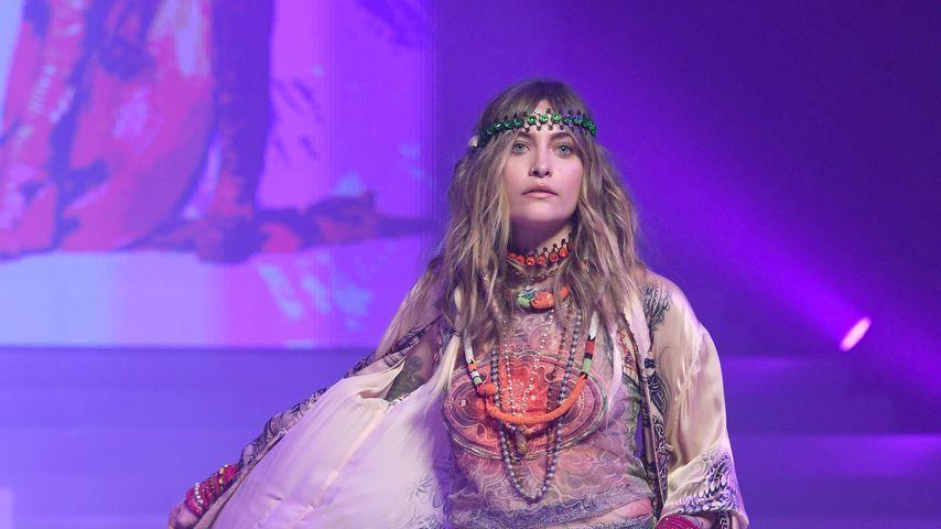 Als Hippie: Paris Jackson verzaubert bei Gaultier-Abschied