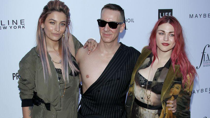 Paris Jackson, Jeremy Scott und Frances Bean Cobain bei einem Fashion-Event in Los Angeles